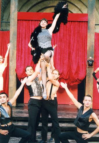 Bad Gandersheimer Domfestspiele, 2002<br>Regie/Choreografie: G&ouml;tz Hellriegel<br>U.a. mit Jens Krause und Nils Nilsemann